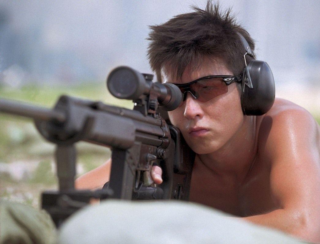году свет все фильмы про снайперов какой